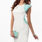 biala-sukienka-z-blekitnymi-dodatkami